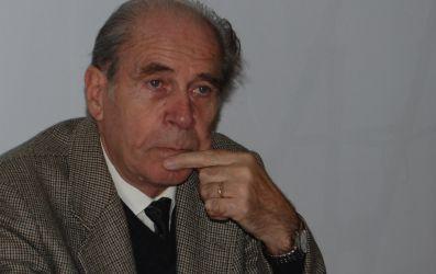 http://uniuneascriitorilor-filialacluj.ro/Poze/carti/david-gyula.jpg