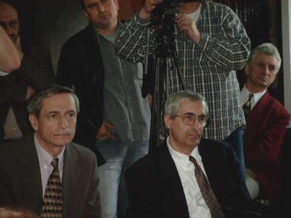 pop, vartic, stanescu, muresan _ http://uniuneascriitorilor-filialacluj.ro/Poze/carti/Bild4124.jpg