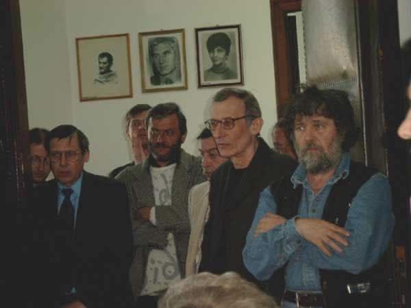popescu, nedeea, negru, dragolea, vlad _ http://uniuneascriitorilor-filialacluj.ro/Poze/carti/Bild4130.jpg