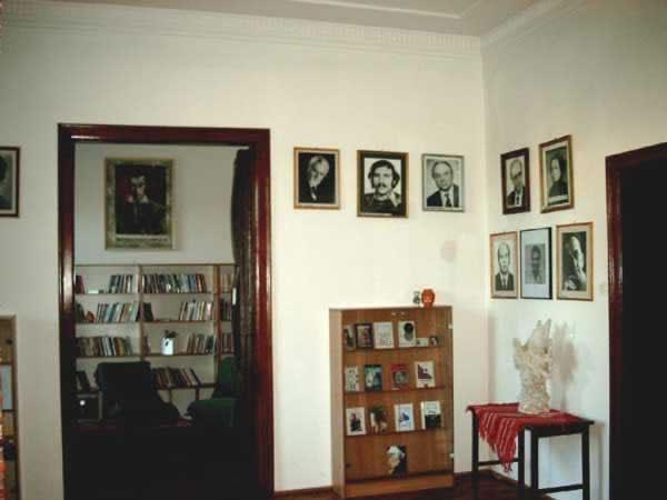 Sediul filialei memorial 1 _ http://uniuneascriitorilor-filialacluj.ro/Poze/carti/Bild6509.jpg