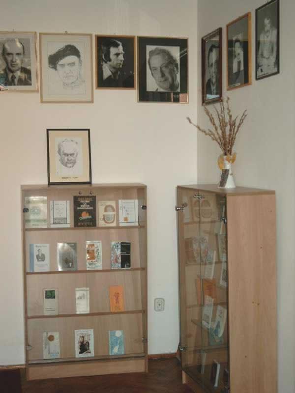 Sediul filialei memorial 8 _ http://uniuneascriitorilor-filialacluj.ro/Poze/carti/Bild6528.jpg