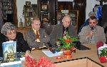 Irina Petraş, Leon Grapini, Constantin Cubleşan, Ioan Pavel Azap _ http://uniuneascriitorilor-filialacluj.ro/Poze/carti/GrapiniDSC_2141.JPG